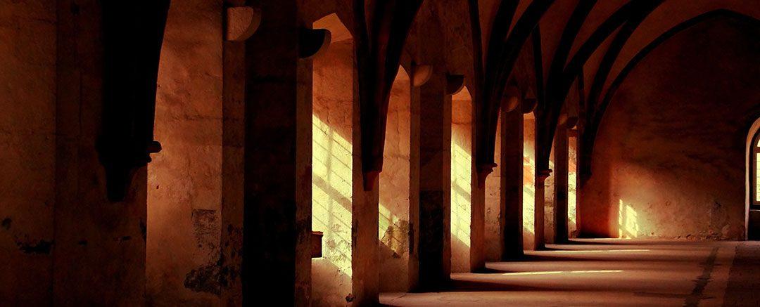 Wie ich durch Klosteraufenthalte meinen Durchbruch in der Meditation schaffte