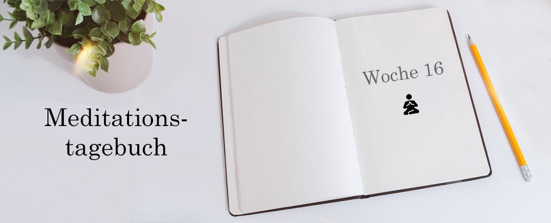 Meditationstagebuch auf dem Schreibtisch