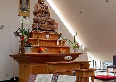 Rezitationshalle mit Buddha